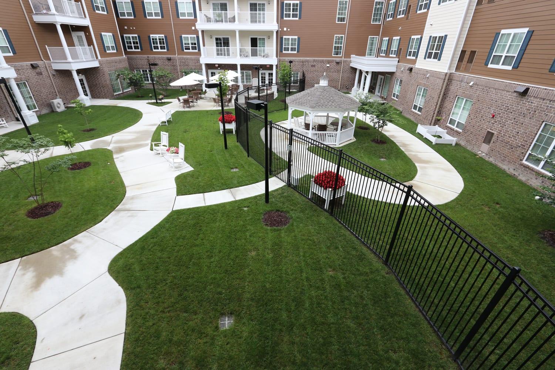 courtyard-lawn